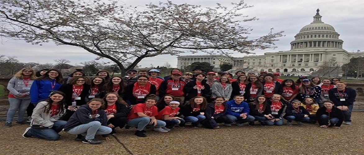 MCMS 8th Grade students at the United States Capitol Building while in Washington DC