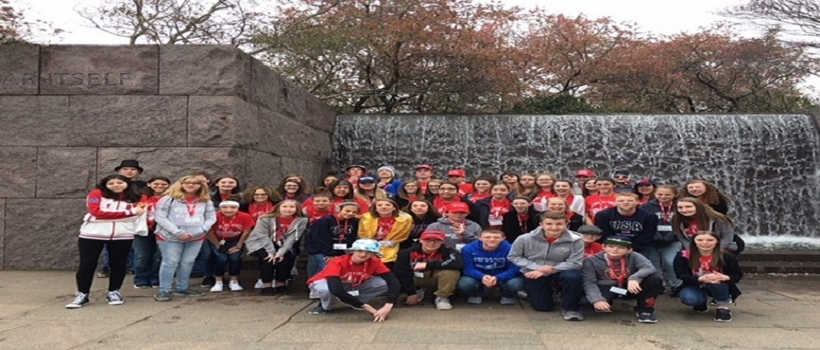MCMS 8th Grade students at the FDR Memorial
